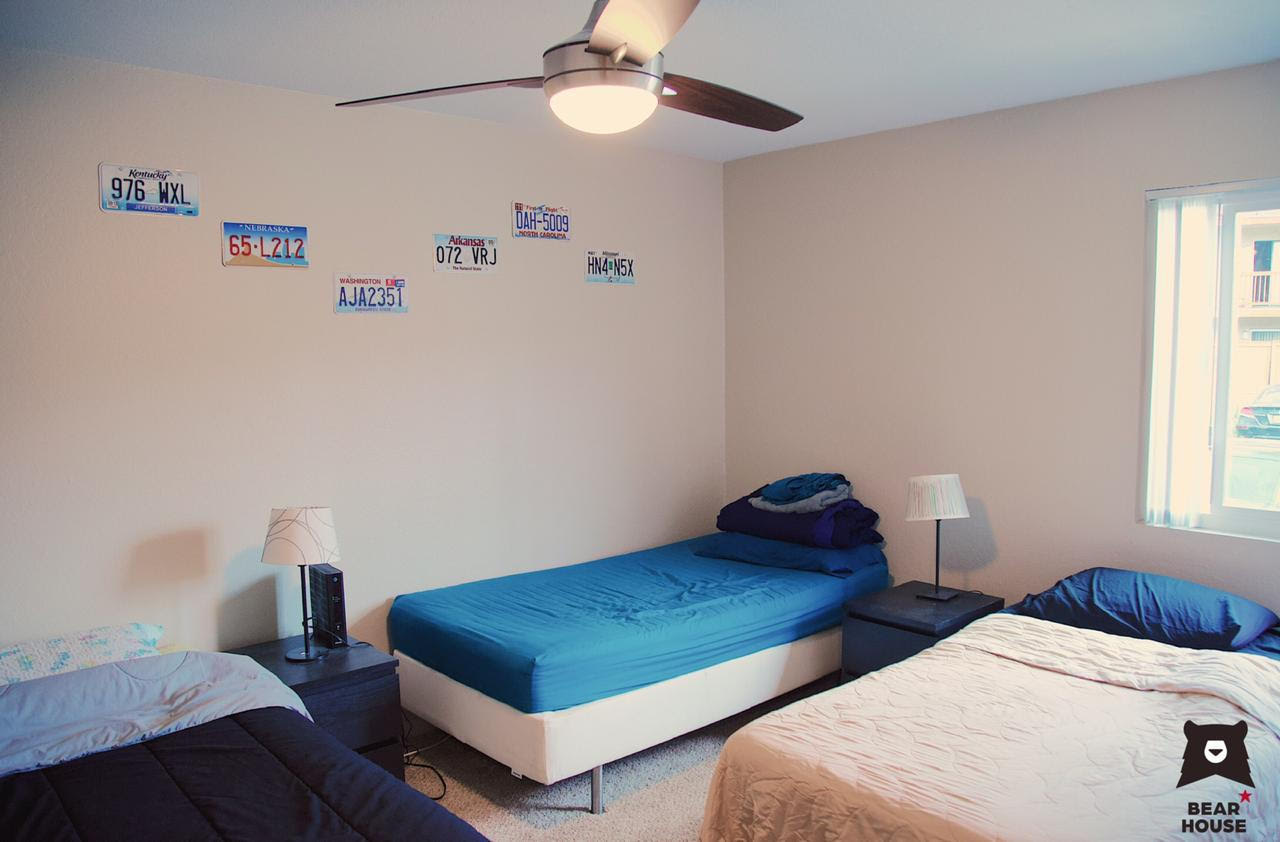 bear house apartments triple room with private bathroom
